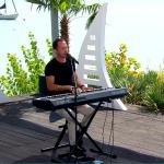 Krisz Rudolf - Nyár21 élőben zongorázik
